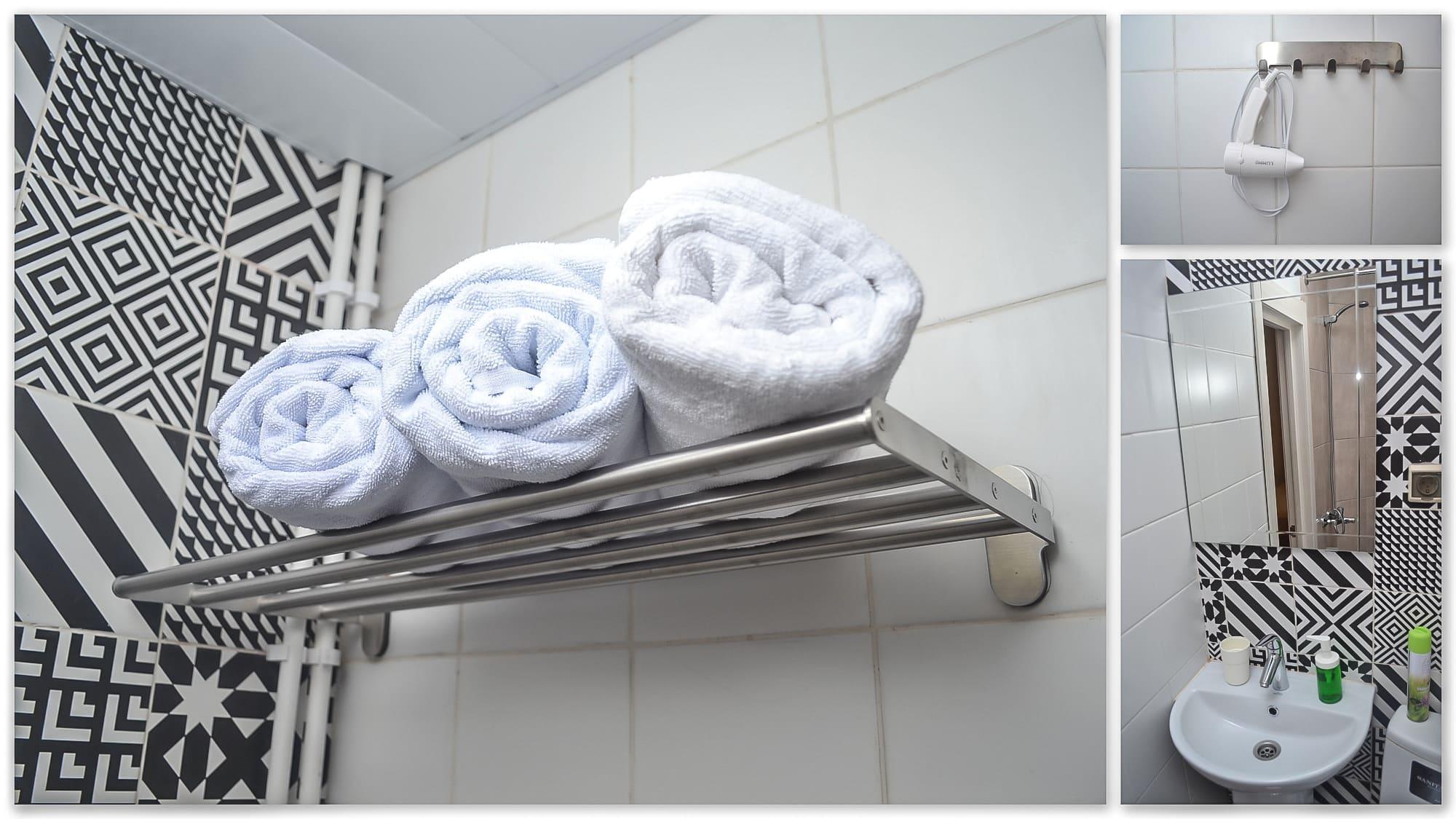 Фотографии санузла, находящегося в каждом номере, апарт-отеля VNorke.ru